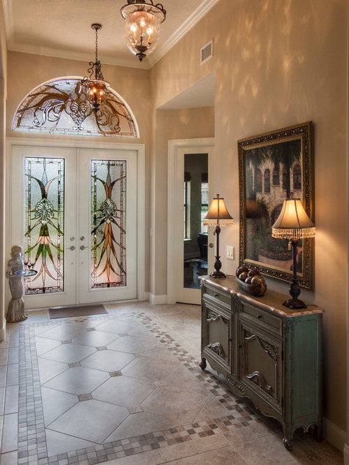 Hall d 39 entr e de luxe avec un sol en carrelage de porcelaine photos et - Photo hall d entree maison ...