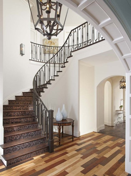 Transitional Entry by Ellen Grasso & Sons, LLC
