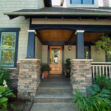 Craftsman Entry by Estate Maintenance Services