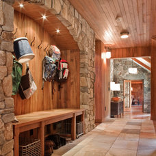 rustic entry by Solomon+Bauer+Giambastiani Architects