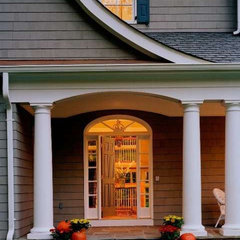 traditional entry by Natelli homes