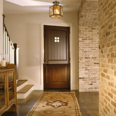 Traditional Entry by Rohe & Wright Builders