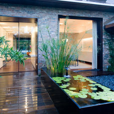 Modern Entry by Bercy Chen Studio