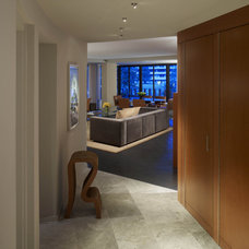 Contemporary Entry by Studio Santalla, Inc