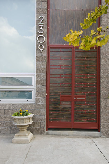 Contemporary Entry by Erdreich Architecture, P.C.