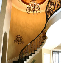 traditional entry by The Woodlands Design Firm