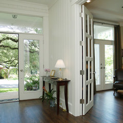 traditional entry by Rick O'Donnell Architect