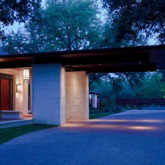modern entry by Furman + Keil Architects