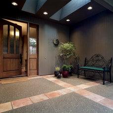Transitional Entry by Kaufman Homes, Inc.