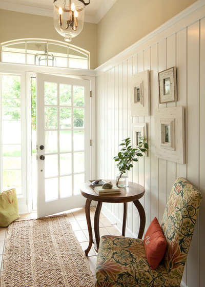 Beach Style Entry by Lauren Leonard Interiors