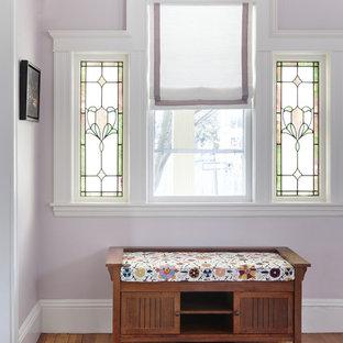 Inspiration för klassiska entréer, med lila väggar