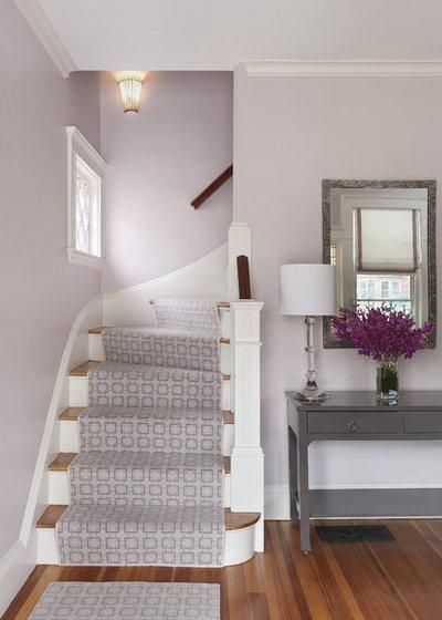 Traditional Entry by MANDARINA STUDIO interior design