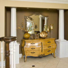 traditional entry by Maureen Fiori, AKBD, Allied Member ASID, CAPS