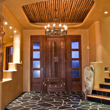 Traditional Entry by Mooney Design Group, Inc.