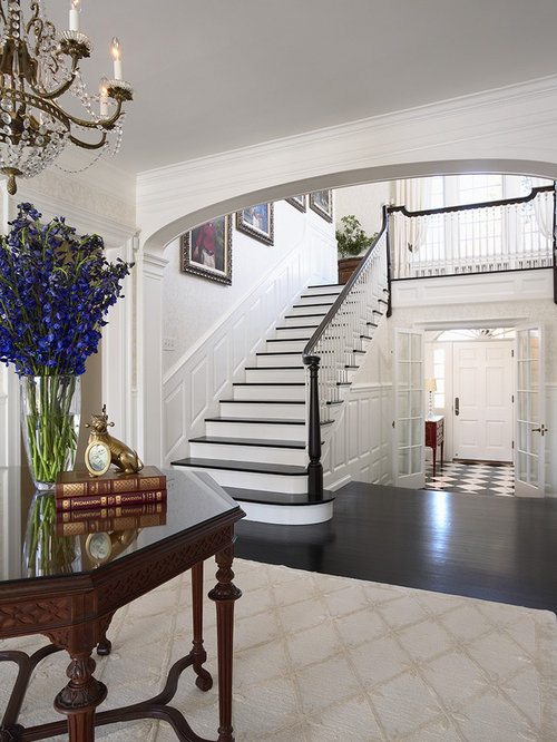 Entry foyer hardwood floors home design ideas pictures for Traditional foyer decorating ideas
