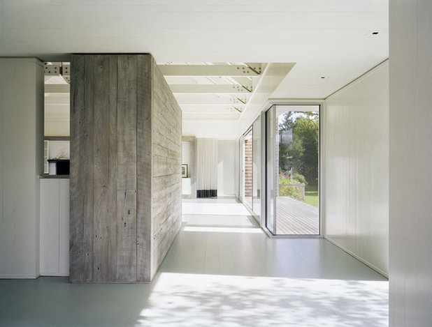 Coastal Entrance by Robert Young Architects