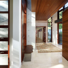 Modern Entry by Rockefeller Partners Architects