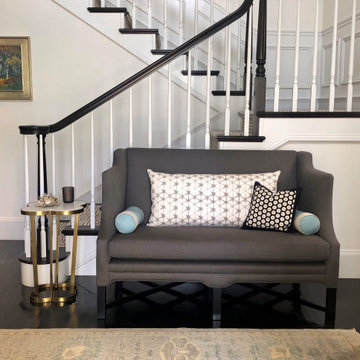 Entry settee