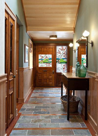 Eklektisk Entré by Shelley Kirsch Interior Design and Decoration