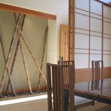 Asian Entry by Tali Hardonag Architect