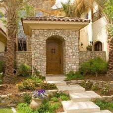 Mediterranean Entry by Pinnacle Architectural Studio