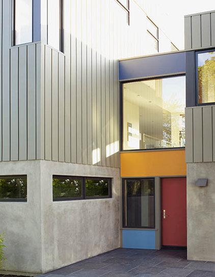 Modern Entry by Sharon Portnoy Design