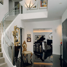 Contemporary Entry by STUDIO MB