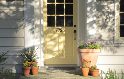 Spring Checklist: Freshen Up Your Home's Curb Appeal