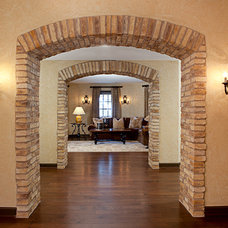 Traditional Entry by Details Interiors, LLC