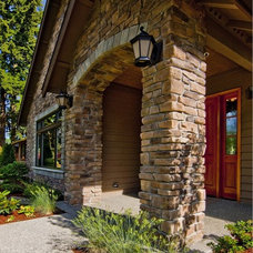Traditional Entry by Lakeville Homes