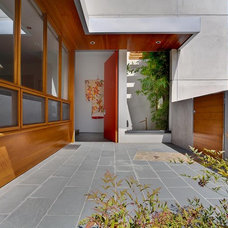 Asian Entry by MAGDALENA & MGS Architecture