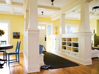 Traditional Entry Entry Way