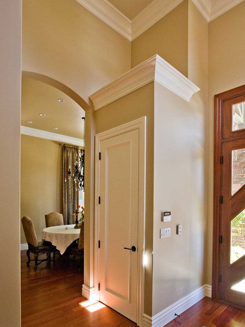 Closet With Crown Molding Ideas, Pictures, Remodel and Decor