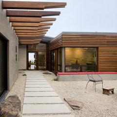 contemporary exterior by Laidlaw Schultz architects