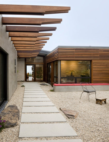 Midcentury Exterior by Laidlaw Schultz architects