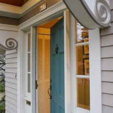 Traditional Entry by JB Construction Services, Inc.