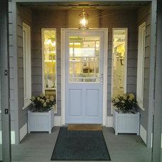 Traditional Entry by Ventura Interior Design