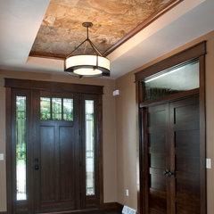 contemporary entry by Radue Homes Inc.