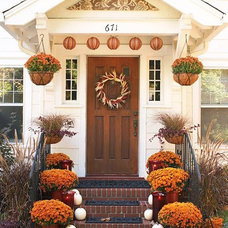 Craftsman Entry by Charleston Staged and Sold