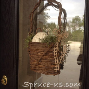 Inspiration for a rustic entryway remodel in Jacksonville