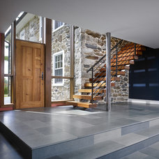 Farmhouse Entry by Wyant Architecture