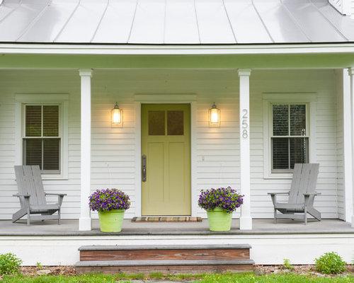 Farmhouse porch design ideas remodels photos houzz - Porches de casas ...