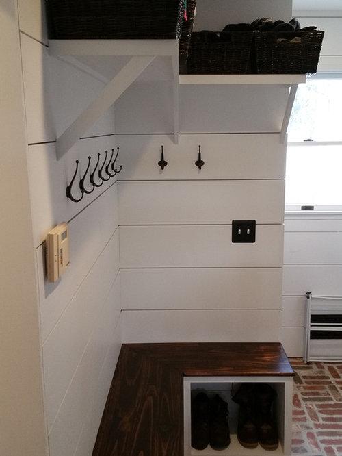 kleiner eingang mit backsteinboden hauseingang eingangsbereich gestalten. Black Bedroom Furniture Sets. Home Design Ideas
