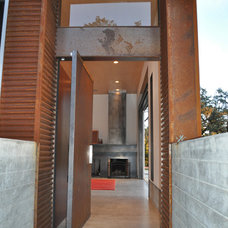 Industrial Entry by Fuse Architects, Inc.