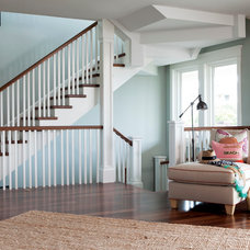 Beach Style Entry by Amy Tyndall Design