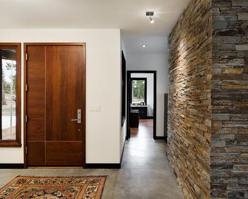 Foto e idee per corridoi corridoio con pavimento con piastrelle