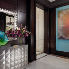 Tropical Entry by John David Edison Interior Design Inc.