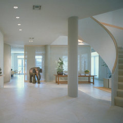 contemporary entry by Powell/Kleinschmidt, Inc.