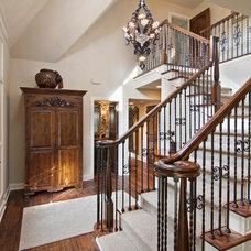 Traditional Entry by Modern Design LLC