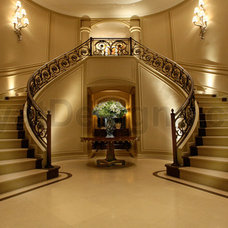 Traditional Entry by Kayat Designs Inc.